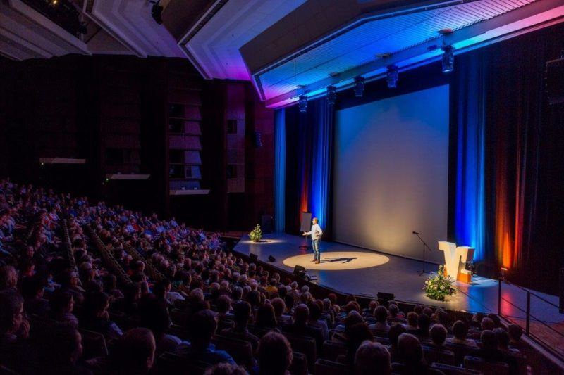 Eventmoderation Kundenveranstaltung Volksbank Lausitzhalle