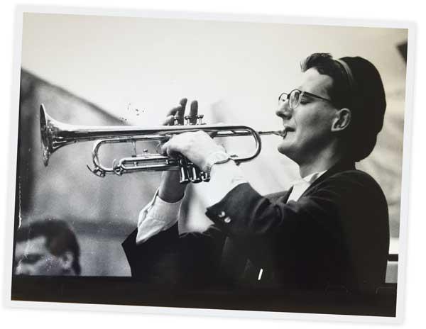 Brüske bekommt Trompete